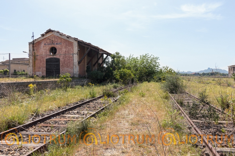 magazzino merci, linea ferroviaria Motta S. Anastasia - Regalbuto